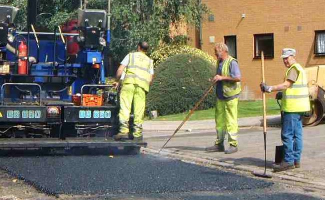 Tarmac Contractors | The Importance of Hiring Trained Professionals